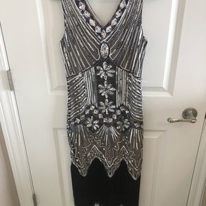 Dresses & Skirts - Sequined flapper dress! Size small with fringe